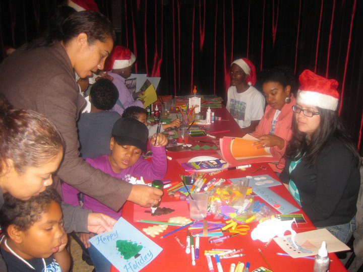 5 Places to Volunteer in L.A. for the Holidays